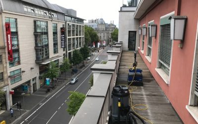 Bangkirai-Terrassenreinigung in Düsseldorf